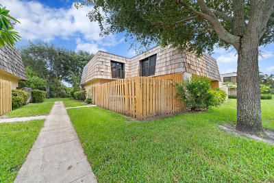 Lake Worth Townhouse For Sale: 2403 Waterside Drive