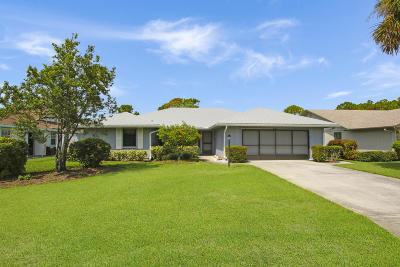 Hobe Sound Single Family Home Contingent: 7934 SE Lexington Avenue