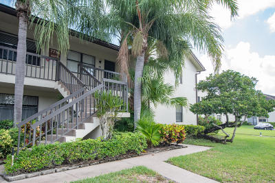 Lake Worth Condo For Sale: 7714 Tahiti Lane #203