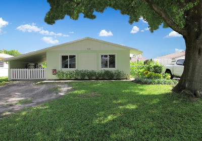 Jupiter Single Family Home For Sale: 909 Hawie Street