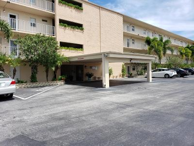Boynton Beach Condo For Sale: 2620 NE 1st Court #306
