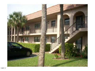 Boynton Beach Condo For Sale: 2141 W Woolbright Road #L204