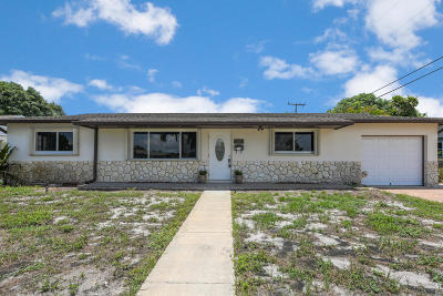 West Palm Beach Single Family Home For Sale: 2720 Meadow Road