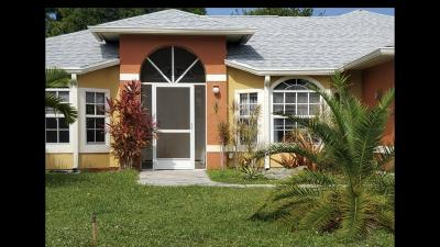 Port Saint Lucie Single Family Home For Sale: 1729 SE Lullaby Terrace