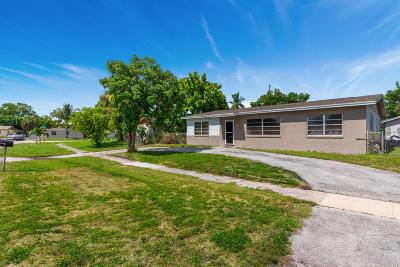 West Palm Beach Single Family Home For Sale: 1430 Fernlea Drive