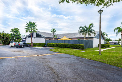 West Palm Beach Single Family Home For Sale: 1171 Summit Trail Circle #D