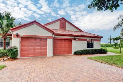 Delray Beach Single Family Home For Sale: 7668 Lexington Club Boulevard #B