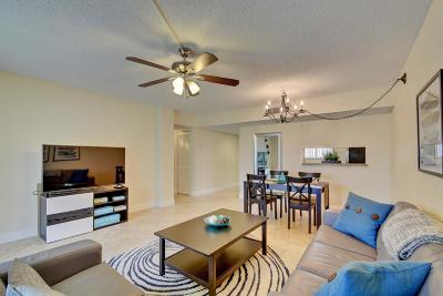 Delray Beach Condo For Sale: 5160 Las Verdes Circle #315