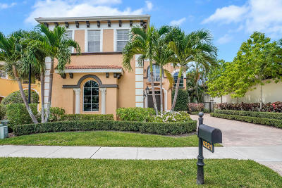 Delray Beach Single Family Home For Sale: 6221 Via Venetia