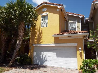 West Palm Beach Townhouse For Sale: 830 Pipers Cay Drive