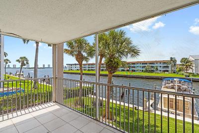 North Palm Beach Condo For Sale: 104 Paradise Harbour Boulevard #215