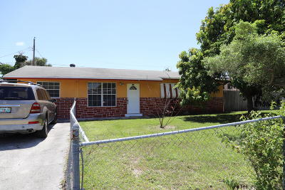 West Palm Beach Single Family Home For Sale: 736 Harth Drive