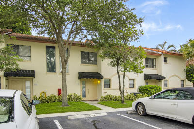 Boca Raton Townhouse For Sale: 7200 NW 2nd Avenue #1300