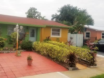 Broward County Single Family Home For Sale: 4103 NW 39th Avenue
