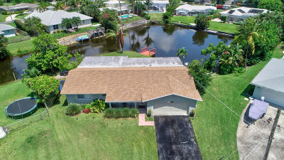Boynton Beach Single Family Home For Sale: 825 Canal Drive