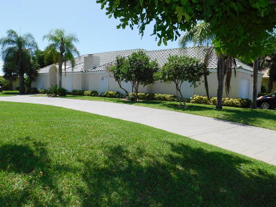 North Palm Beach Single Family Home For Sale: 150 Anchorage Drive S