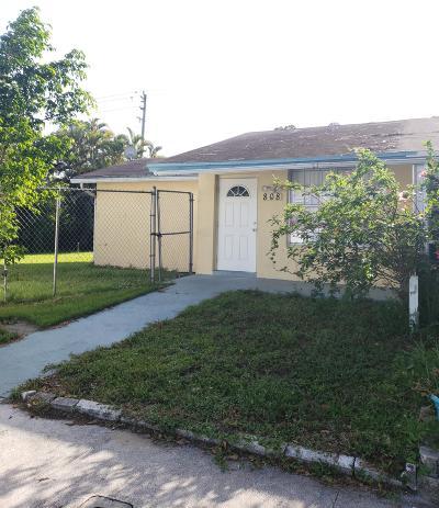 West Palm Beach Single Family Home For Sale: 808 W Ilene Road W #808