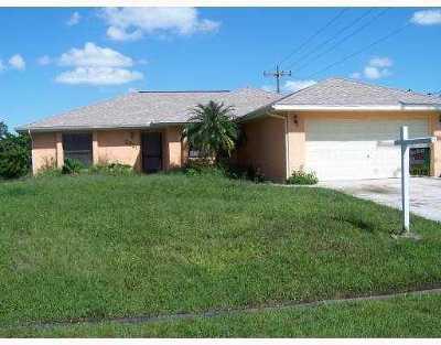 Port Saint Lucie Single Family Home For Sale: 2221 SW Susset Lane