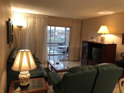 West Palm Beach Condo For Sale: 353 Lake Frances Drive