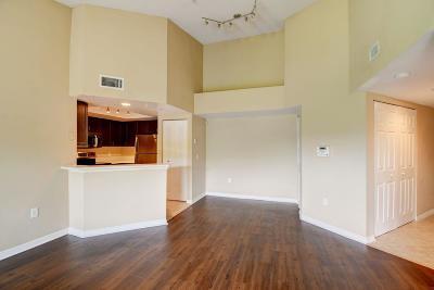 West Palm Beach Condo For Sale: 4159 Haverhill Road #1320