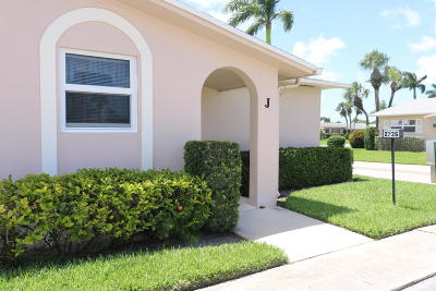 West Palm Beach Single Family Home For Sale: 2736 Dudley Drive E #j