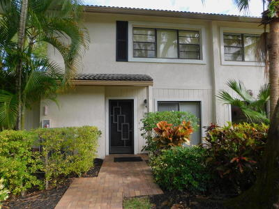 Boynton Beach Townhouse For Sale: 4 Westgate Lane #4b