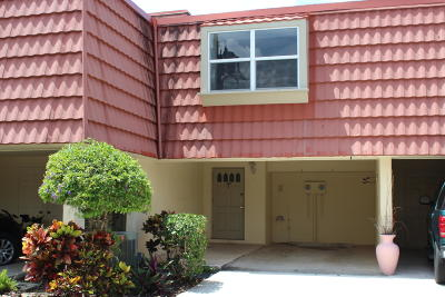 North Palm Beach Condo For Sale: 384 Golfview Road #C