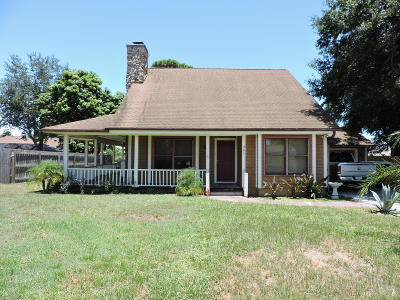 Port Saint Lucie Single Family Home For Sale: 341 NE Gladiola Avenue