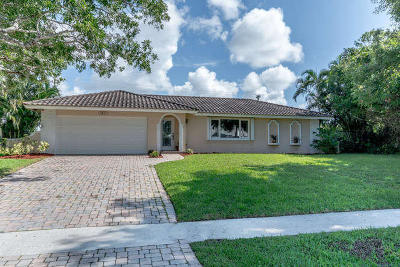 Delray Beach Single Family Home For Sale: 3537 Lakeview Boulevard