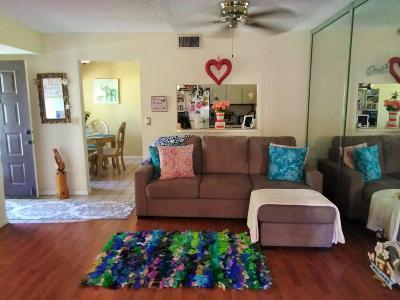 Lake Worth Condo For Sale: 7722 Tahiti Lane #101