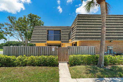 West Palm Beach Townhouse For Sale: 2304 23rd Way