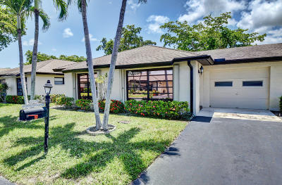 Boynton Beach Single Family Home For Sale: 4854 Equestrian Circle #A
