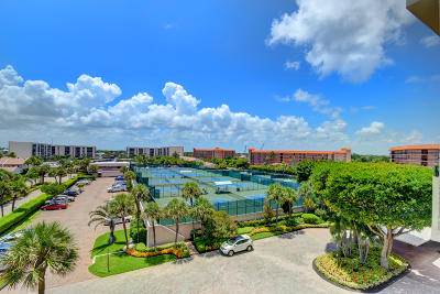 Yacht & Racquet Club Of Boca Raton, Yacht & Racquet Club Of Boca Raton Condo Condo For Sale: 2727 Ocean Boulevard #A404