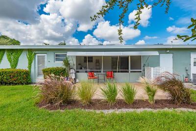 Delray Beach Condo For Sale: 910 South Drive #C