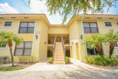 West Palm Beach Condo For Sale: 1515 Lake Crystal Drive #G
