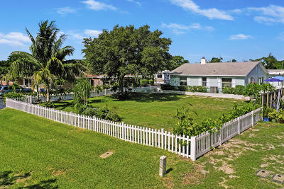 North Palm Beach Single Family Home For Sale: 12021 Osceola Road