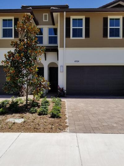 Palm Beach Gardens Rental For Rent: 4924 Pga Boulevard #21