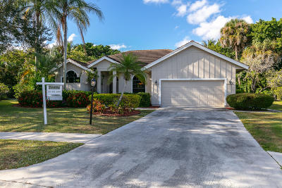 Palm Beach Gardens Single Family Home For Sale: 9250 Cypress Hollow Drive