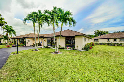 Boynton Beach Condo For Sale: 4850 Hawkwood Place #B