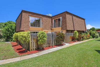 Boynton Beach Townhouse For Sale: 562 SE 27th Terrace #44b