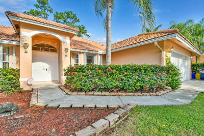 Royal Palm Beach Single Family Home For Sale: 292 Acacia Court