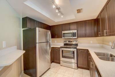 West Palm Beach Condo For Sale: 4149 Haverhill Road #1601