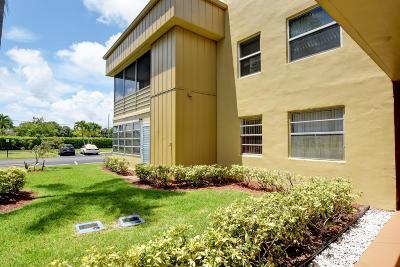 Delray Beach FL Condo For Sale: $76,000