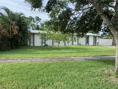 Palm Beach County Single Family Home For Sale: 5833 Fairgreen Road