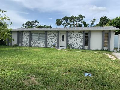 West Palm Beach Single Family Home For Sale: 5833 Fairgreen Road