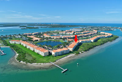 Fort Pierce Condo For Sale: 28 Harbour Isle Drive #304