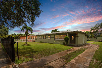 Miami-Dade County Single Family Home For Sale: 440 NW 131st Street