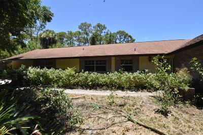 Fort Pierce Single Family Home For Sale: 8002 Deer Park Avenue