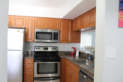 West Palm Beach Condo For Sale: 8206 Glenmoor Drive #8206