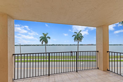 West Palm Beach Condo For Sale: 1801 Flagler Drive #340